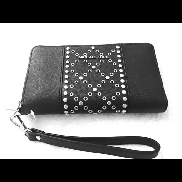 079f2c56aeffe1 Michael Kors Bags   Blk Saffiano Grommet Zip Phone Wallet   Poshmark